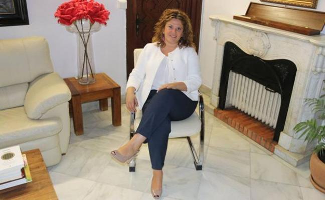La alcaldesa de Ronda, citada a declarar como investigada por el 'caso boda'