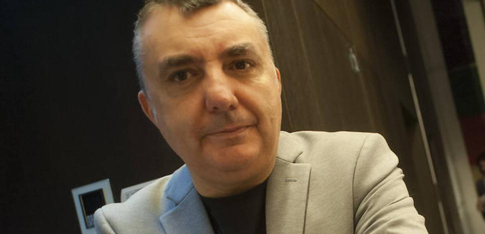 Manuel Vilas: «Me hago viejo y prefiero buscar la verdad»