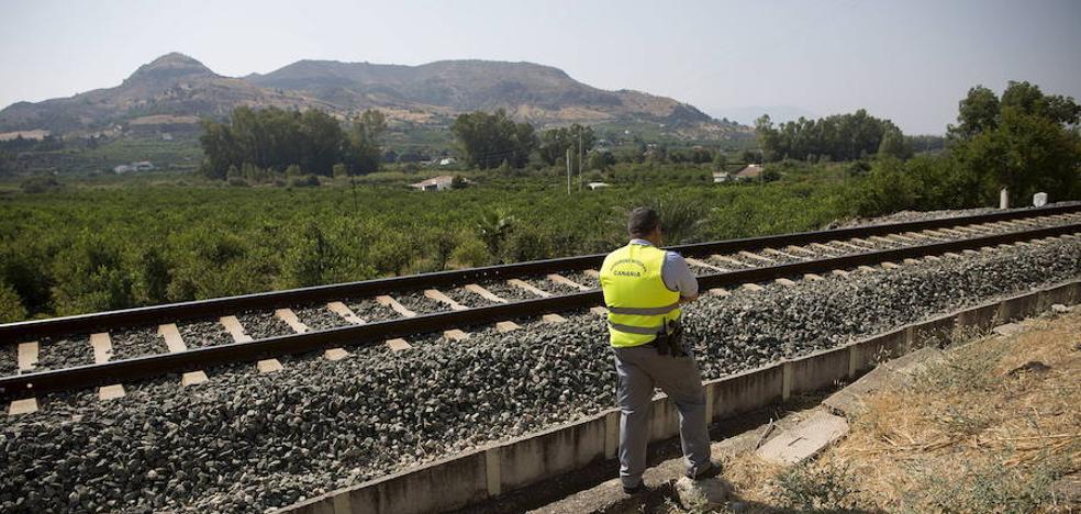Adif dice que no le pidieron cortar el tren en la búsqueda de Lucía, pese a que lo preguntó