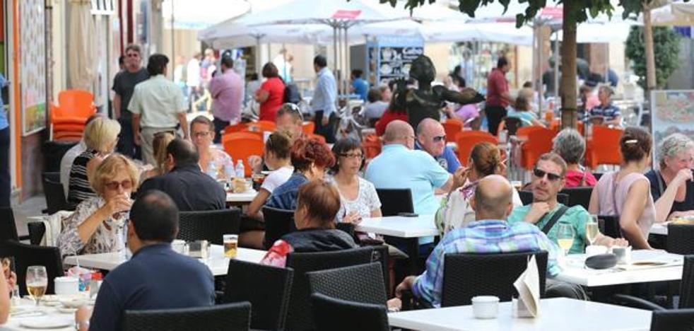 Málaga impedirá a mediados de año la apertura de nuevos bares en las calles más ruidosas del Centro y Teatinos