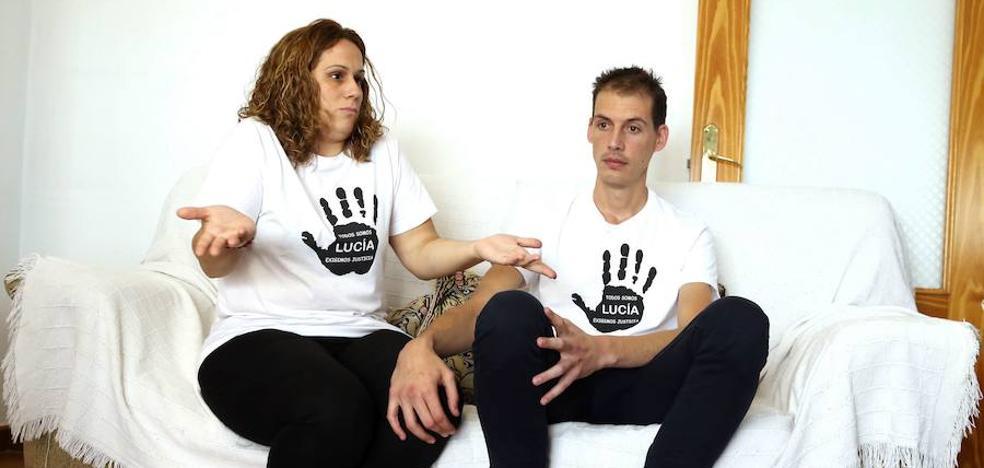 El ministro del Interior se reúne con los padres de Lucía Vivar y se compromete a que la Guardia Civil revise el caso