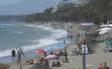 Marbella extiende a nueve meses su plan de playas