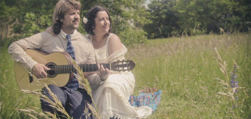 El dúo Sortilegio inicia un crowdfunding para 'dar a luz' su cuarto disco