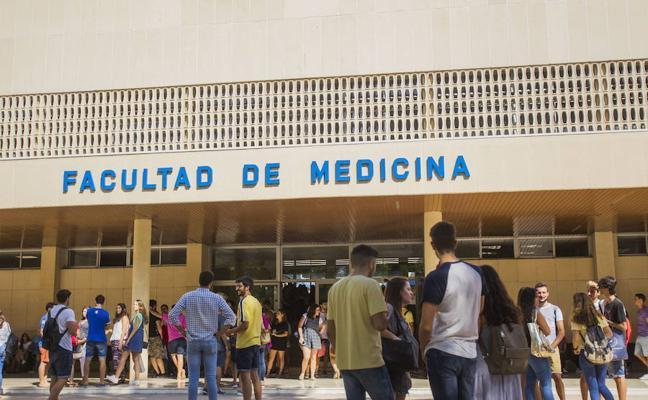 La Universidad de Málaga, condenada a readmitir a tres profesores por despido improcedente