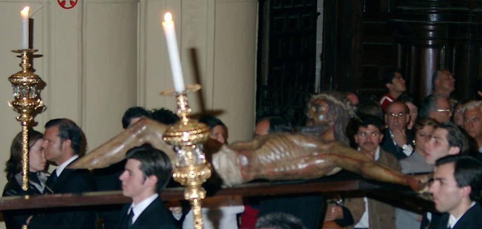 El Mutilado le restituirá las piernas al Cristo y será restaurado por Miñarro