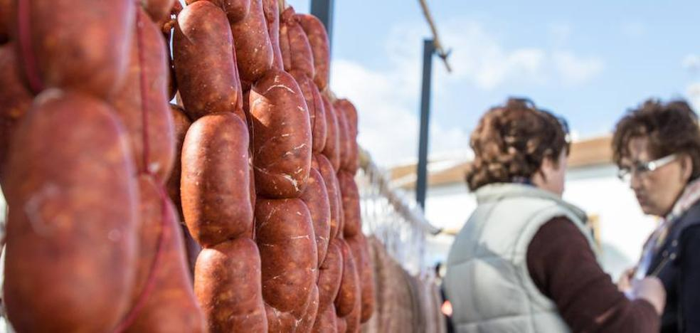 Ardales espera a 10.000 visitantes en su día más suculento: la Fiesta de la Matanza