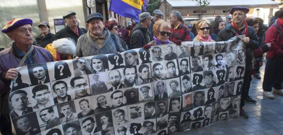 Marcha hasta el Peñón del Cuervo en homenaje a 'La Desbandá' en su 81 aniversario