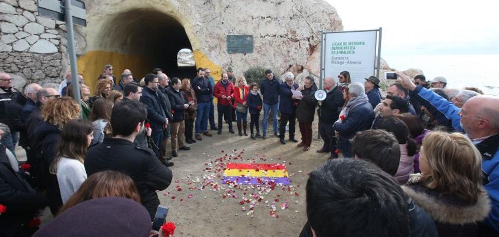 Homenaje a 'La Desbandá' en el Peñón del Cuervo