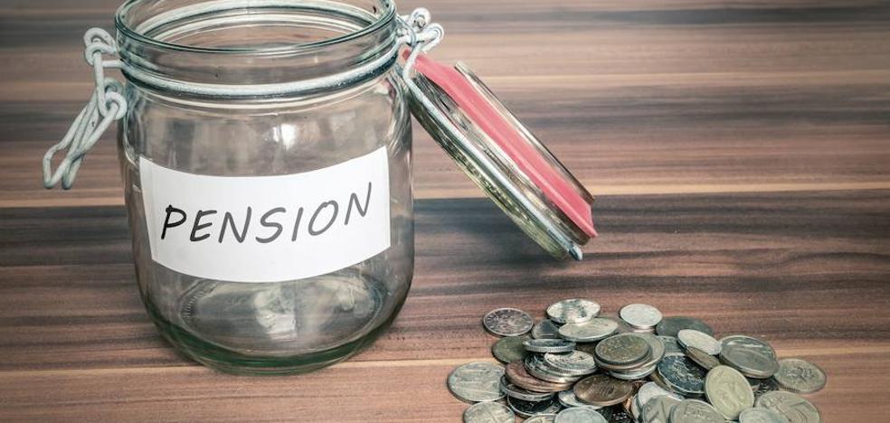 Siete años incumpliendo la ley con las pensiones de viudedad
