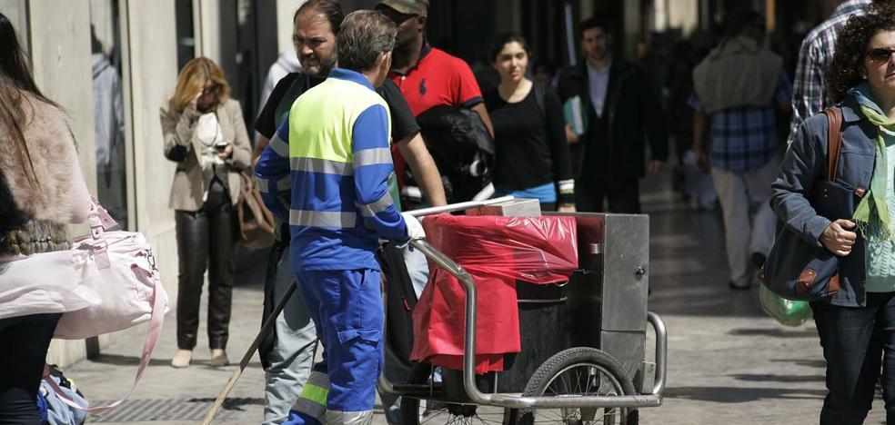 Los trabajadores de Limasa inician este sábado las movilizaciones contra la división de la empresa en dos
