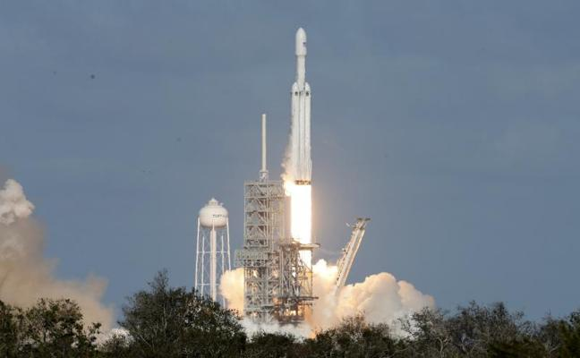 El Falcon Heavy pone rumbo a Marte