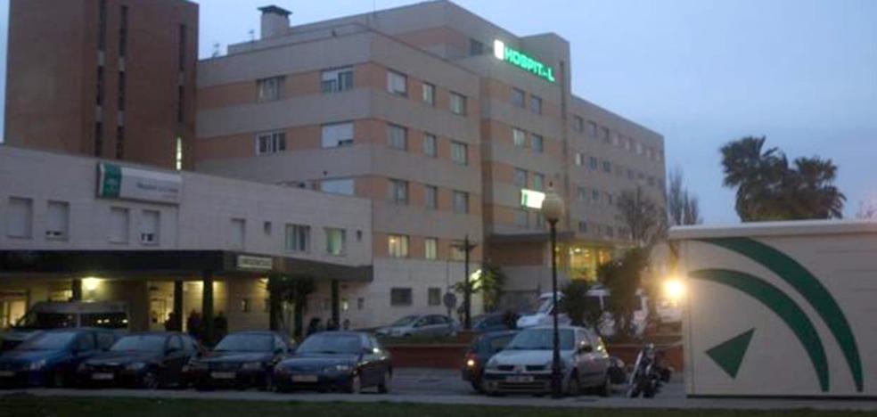 Unos veinte encapuchados entran en un hospital de La Línea y liberan a un presunto narco que estaba detenido