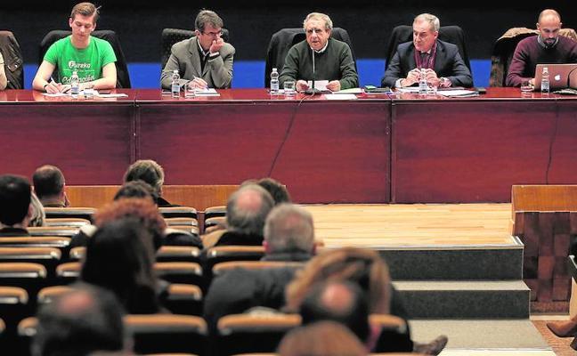 El rector limita a dos sus mandatos y los de todos los cargos electos de la Universidad de Málaga
