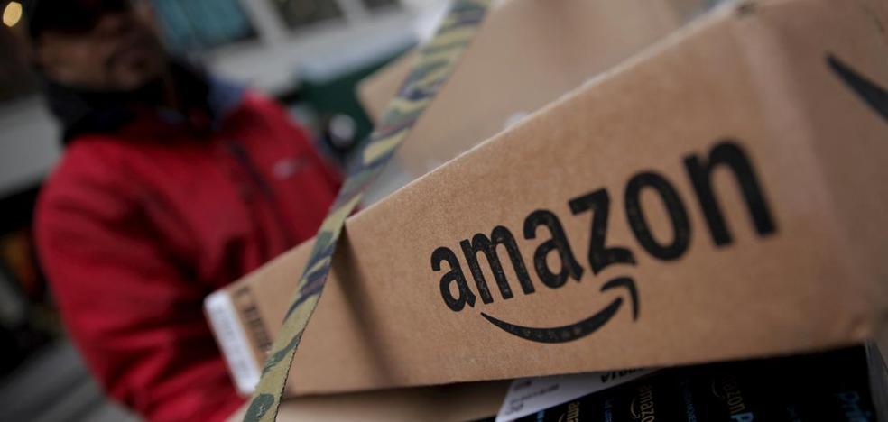 Una pareja no para de recibir regalos desde Amazon y no pueden frenarlo