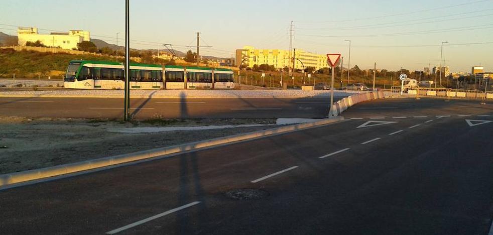 La apertura del vial de conexión del campus de Teatinos y la ampliación, pendiente de un semáforo
