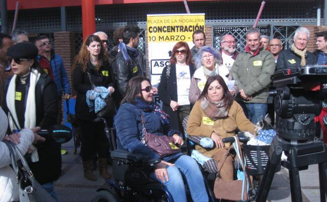 Una plataforma de Torremolinos reclama un ascensor en la estación de tren de La Nogalera
