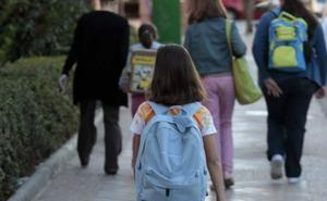 Benalmádena lanza un programa piloto para que los niños vayan andando a clase
