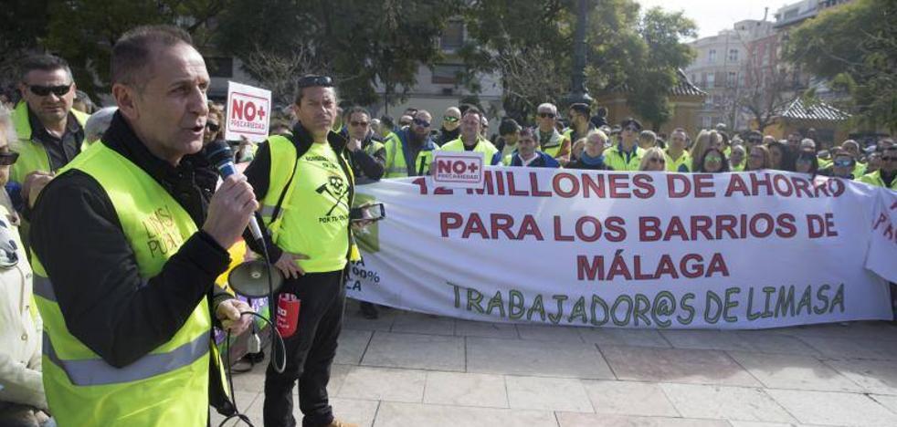 Más de una veintena de colectivos se unen en una concentración en Málaga contra la precariedad