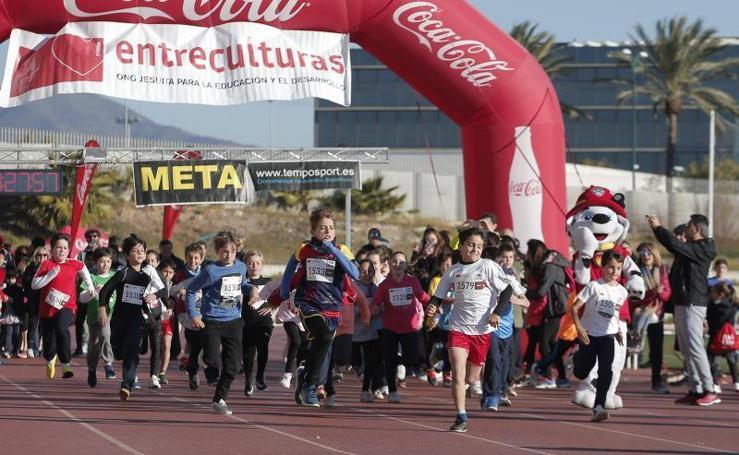 Fotos de la VII Carrera solidaria 'Corre por una causa', en Málaga