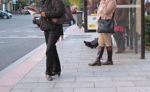 Tres ciudades españolas tendrán autobuses nocturnos con paradas flexibles para mujeres