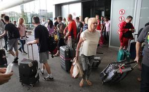 Detenido un taxista acusado del hurto al descuido de 2.000 euros a unos turistas en Málaga