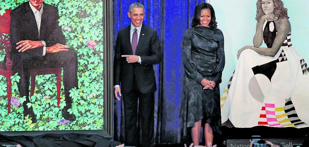 El retrato oficial de los Obama borra la sonrisa de Michelle