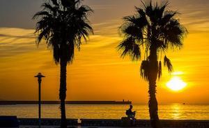 Cuándo y dónde disfrutar de los amaneceres más espectaculares junto al mar en Málaga