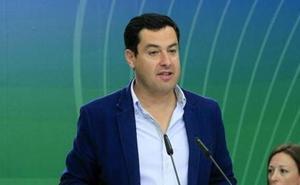 Juanma Moreno exige a la Junta que solvente su «deuda histórica» con las carreteras de la Axarquía