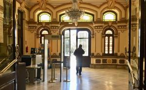 La oposición se rebela contra el nuevo protocolo policial de acceso al Ayuntamiento de Málaga