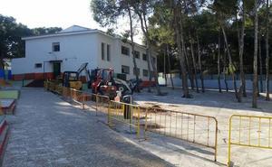 Padres de un colegio de Torremolinos denuncian obras municipales en pleno horario lectivo