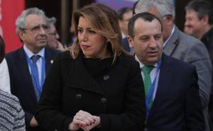 Susana Díaz pide a De la Torre que «cumpla» su palabra con el metro al Civil para que «los tiempos no sigan corriendo»