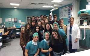 Estudiantes de Bachiller de Ciencias de la Salud visitan el Hospital Clínico de Málaga