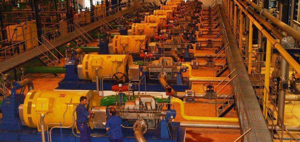La desaladora de Marbella se someterá a obras para reducir el coste de producción de agua en plena sequía