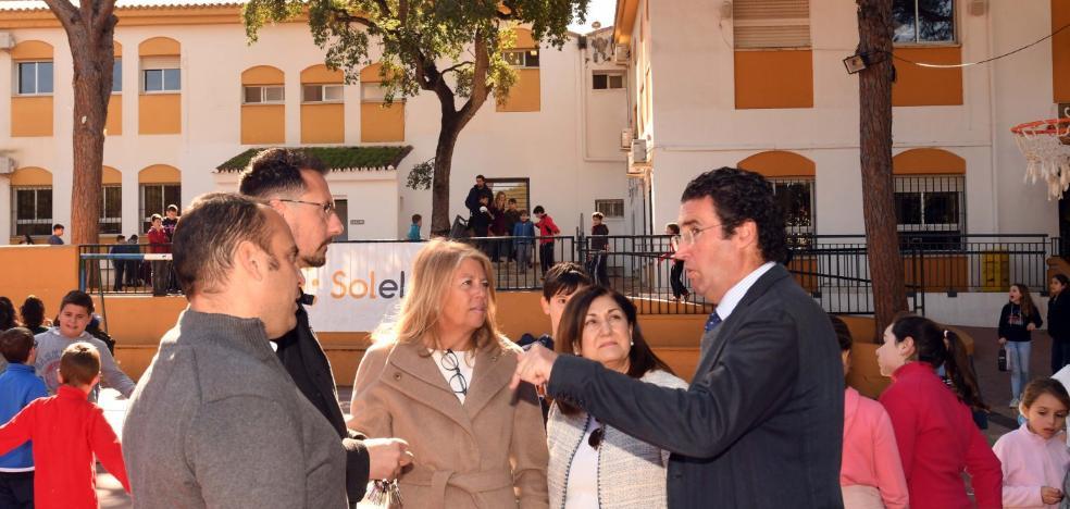 El Ayuntamiento de Marbella inicia un plan de mejora de las instalaciones deportivas de colegios