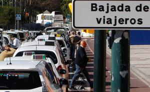 Un centenar de taxistas demandan al Ayuntamiento por tener que vender sus licencias