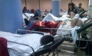 Profesionales alertan de que la falta de espacio y de camas en el Clínico afecta a enfermos graves