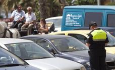 Los operarios de la grúa convocan huelga toda la Semana Santa en Málaga