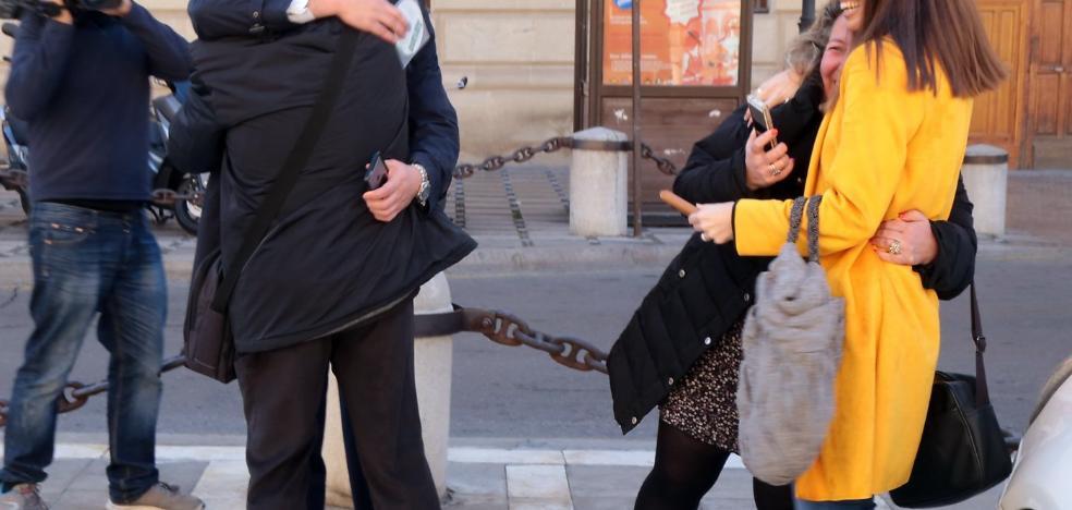 La macrocausa del 'caso Alhambra' se salda con microcondenas y 40 absoluciones