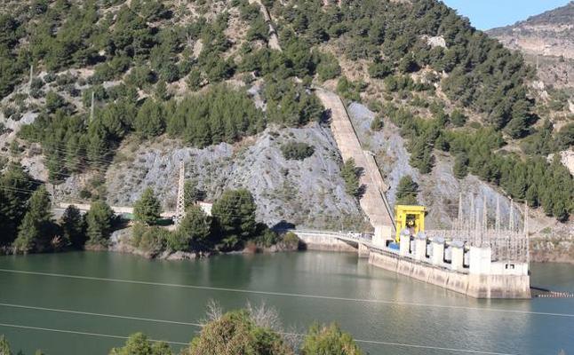 Así funciona la central hidroeléctrica del Chorro