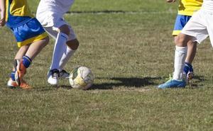 Condenan a un entrenador de fútbol malagueño por abusar de tres menores a los que prometió convertir en profesionales