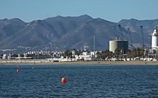 Málaga estrena dos carriles de nado para deportistas en las playas de la Malagueta y la Misericordia