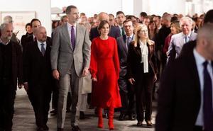 Letizia, la mujer de rojo