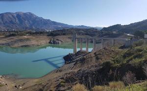 La Asociación Española de Tropicales arremete contra la Junta a la que culpa de la falta de agua en la Axarquía