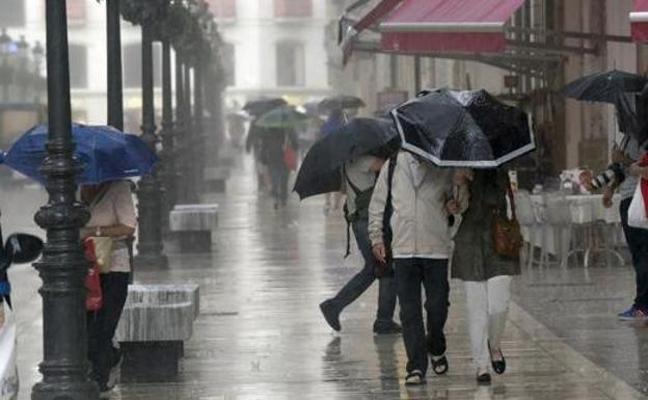 La bajada de las temperaturas, antesala de una semana blanca con lluvia y fuertes vientos en Málaga