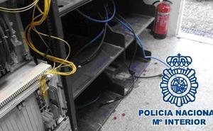 Detienen a un hombre por el robo de baterías acumuladoras de electricidad de un repetidor de telefonía móvil en Antequera
