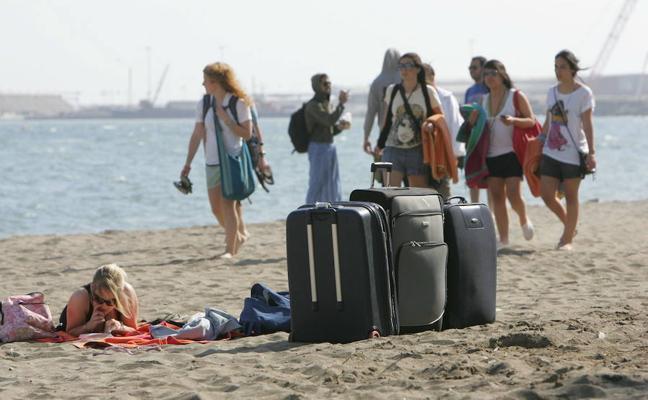 Primeros expedientes a plataformas por anunciar viviendas turísticas ilegales