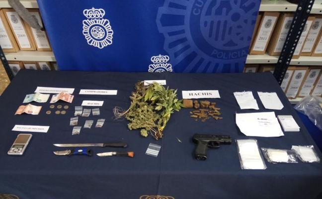 Detenidos en Málaga una madre y sus dos hijos menores por venta de drogas al menudeo