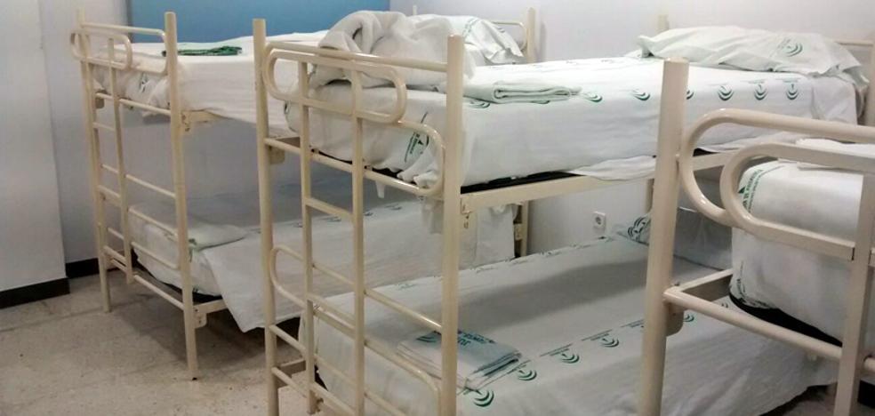 El Sindicato Médico denuncia que los MIR de Carlos Haya duermen «hacinados» en sillones, literas y camas plegables