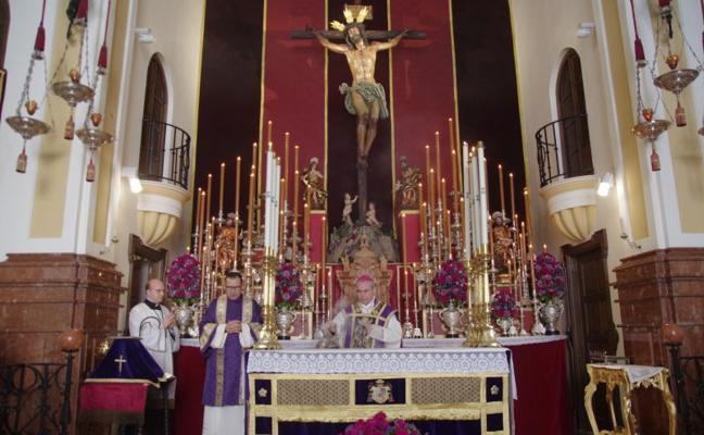 El obispo reclama unidad a las Penas para recuperar «la normalidad cuanto antes»