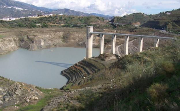 Imagen de archivo del pantano de La Viñuela./Eugenio Cabezas